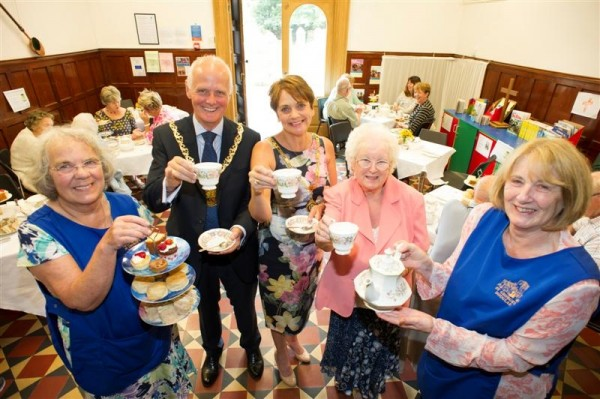 Mayor and Mayoress drop in for tea to St George's Church