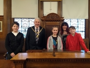 Granddaughter of late Mayor of Douglas welcomed to the Town Hall